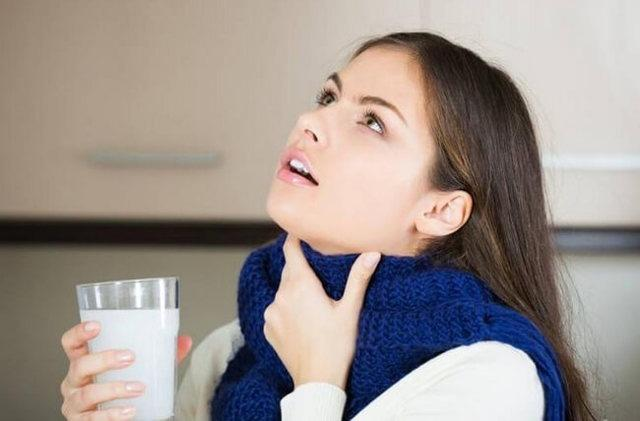 Лечим больное горло народными средствами: травы и другие способы