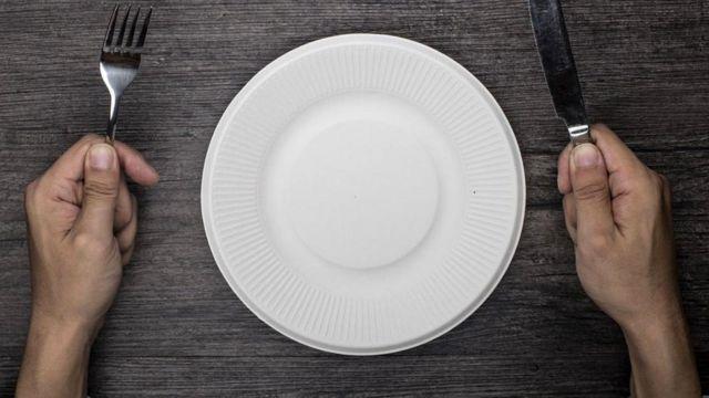 Чем помогает голодание