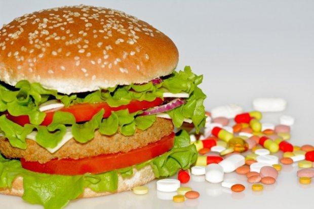 Лекарства и продукты: как совместить