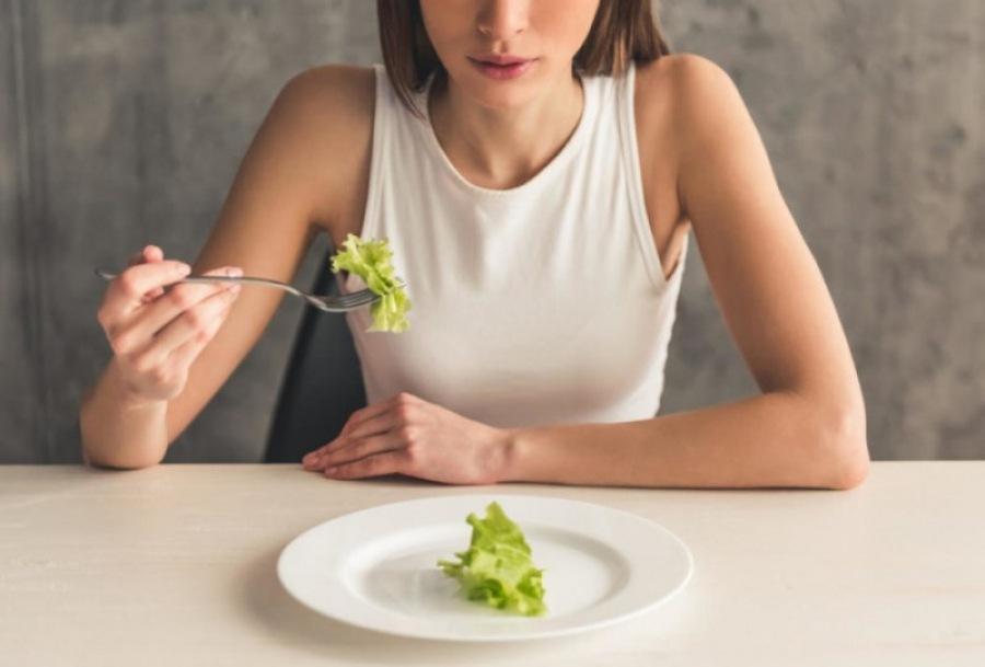 Какие симптомы имеет анорексия? Когда необходимо посетить психиатра?