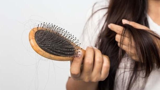 Как остановить чрезмерное выпадение волос?